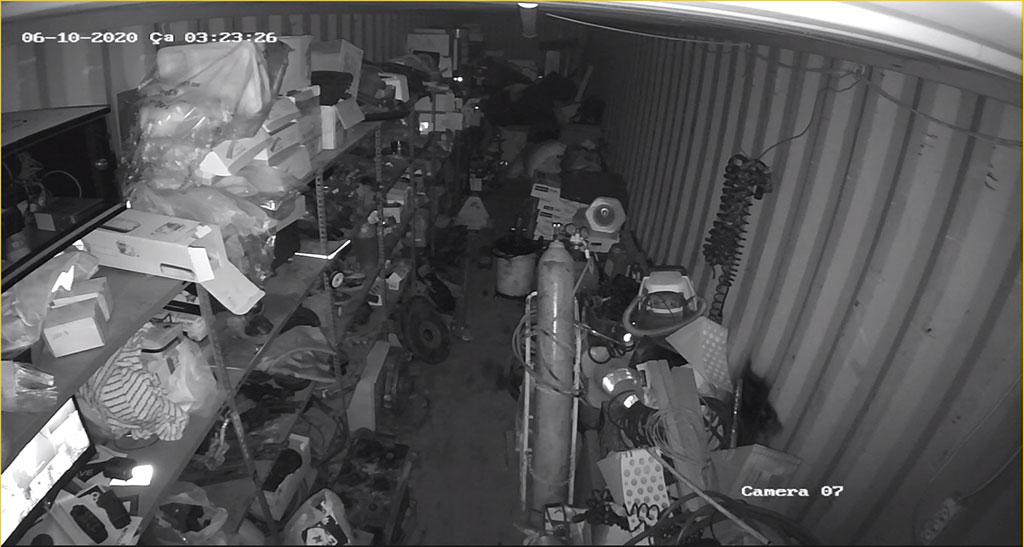 9-cctv-is-yeri-guvenlik-kamerasi-gece